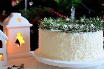 Невероятно вкусный тортик, очень сложно остановиться на одном кусочке!