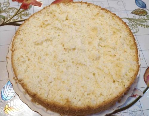 Проще рецепта пышного бисквита я не встречала! Всего из 3 ингредиентов: без соды, кефира и без разделения яиц 6