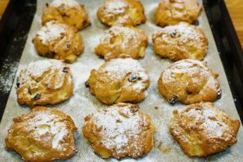 Нежное печенье с яблоками и изюмом 1