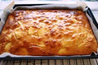 Простой и вкусный яблочный пирог за 20 минут 1