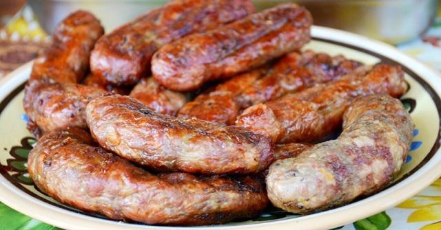 Рецепт потрясающих домашних колбасок на сковороде. Сочные с хрустящей корочкой 1